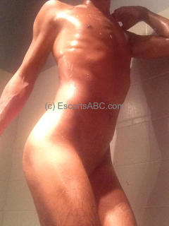 Escort boy bi gay paris et région parisienne