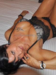 Karenn Cherry, escort à Bordeaux